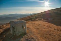 Arcón en el viejo italiano - frontera eslovena Foto de archivo