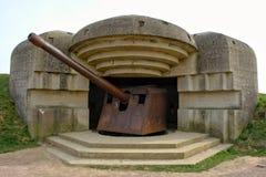 Arcón y arma de la batería de Longues en Normandía Francia fotografía de archivo libre de regalías