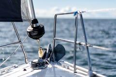 Arc d'un yacht sialing photos stock