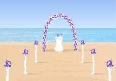 Arc de cérémonie de mariage sur l'océan Photos stock