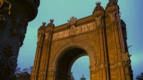 Arc de Triomf πύλη στη Βαρκελώνη, γύρος επίσκεψης γύρω από την Ισπανία, ισπανικό ορόσημο φιλμ μικρού μήκους