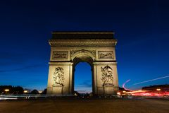 Arc de Triomphe στο Παρίσι, Γαλλία τη νύχτα Στοκ φωτογραφία με δικαίωμα ελεύθερης χρήσης
