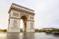 Arc de Triomphe στο Παρίσι το πρωί Στοκ Εικόνες