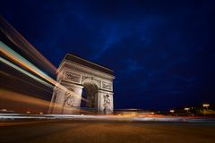 Arc DE Triomphe bij Nacht royalty-vrije stock afbeeldingen