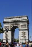 Arc de Triomphe de som är l'Etoile i Paris, Frankrike Arkivfoton