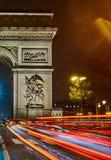 Arc de Triomphe en la noche fotos de archivo libres de regalías