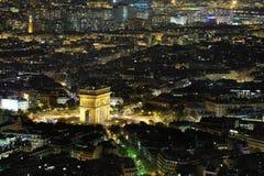 Arc de Triomphe en la noche Imagen de archivo libre de regalías
