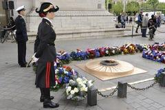 Arc de Triomphe gravvalv av den okända soldaten, Pari Royaltyfria Foton