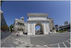 Arc de Triomphe i Skopje, Makedonien royaltyfri bild