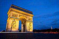 Arc de Triomphe na noite, Paris Fotos de Stock Royalty Free