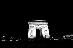 Arc de Triomphe na noite preto e branco Fotografia de Stock