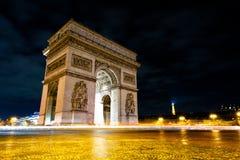 Arc de Triomphe nachts lizenzfreies stockfoto