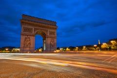 Arc de Triomphe på natten, Paris, Frankrike Arkivbild