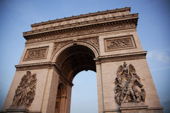 Arc de Triomphe in Paris Stockfotos