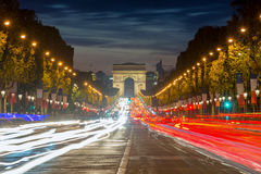 Arc de Triomphe Paris stad på solnedgången, Frankrike Arkivfoton