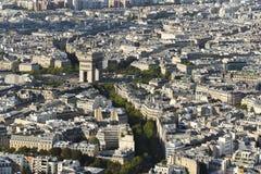 Arc de Triomphe van de Toren die van Eiffel wordt gezien stock foto