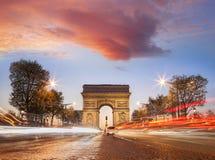 Arc de Triumph τη νύχτα στο Παρίσι, Γαλλία Στοκ Φωτογραφία