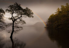 Arc-en-ciel à l'eau Angleterre de Derwent Photos libres de droits