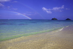 Arc-en-ciel à la plage de lanikai, Hawaï Photo libre de droits
