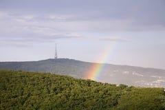 Arc-en-ciel au-dessus de Bratislava Photo stock