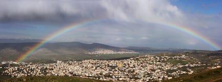 Arc-en-ciel au-dessus de Cana de la Galilée image libre de droits