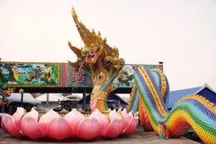 Arc-en-ciel cinq principal de Naga ou statue de naga ou de serpent dans le temple de Srisamarn Image stock