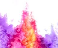 Arc-en-ciel d'encre dans l'eau Explosion de couleur Peignez la texture Images stock
