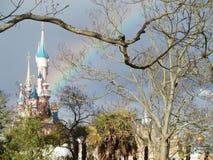 Arc-en-ciel dans Disneyland Images libres de droits