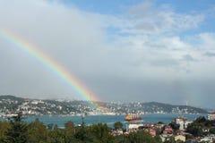 Arc-en-ciel dans le Bosphorus images libres de droits