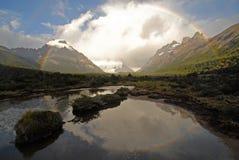 Arc-en-ciel dans le Patagonia. l'Argentine. Images libres de droits