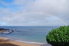 Arc-en-ciel dans Maui images stock