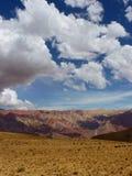 Arc-en-ciel de montagne photographie stock