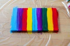 Arc-en-ciel de peinture sur la toile, fierté gaie, concept de transsexuality image stock