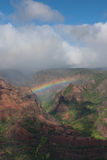 Arc-en-ciel en canyon de Waimea Images libres de droits