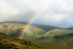 Arc-en-ciel en montagnes Photo libre de droits