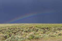 Arc-en-ciel sur la prairie du Wyoming Photo libre de droits
