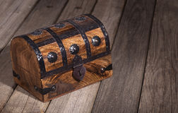 Arca do tesouro de madeira imagem de stock royalty free