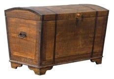 Arca do tesouro de madeira suja velha com a decoração oxidada do metal fotografia de stock royalty free