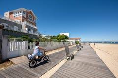Arcachon, Франция, путь велосипеда на набережной Стоковое Изображение