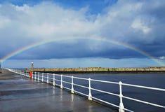 Arcada del arco iris imagenes de archivo