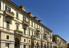 Arcada en el cuadrado de Garibaldi, Alejandría, Italia Imagenes de archivo