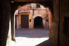 Arcada en el Medina de Marrakesh Fotos de archivo libres de regalías