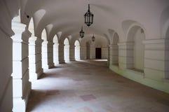 Arcadas en el anfiteatro de Lazienki, Varsovia, Polonia foto de archivo