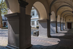 Arcade σε ένα ιστορικό κτήριο σε Koblenz, Γερμανία Στοκ φωτογραφία με δικαίωμα ελεύθερης χρήσης