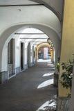 Arcade σε Cherasco, Ιταλία Στοκ Φωτογραφίες