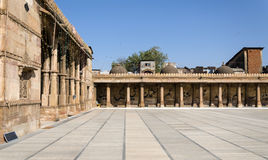 Arcade του μουσουλμανικού τεμένους Jama masjid στο Ahmedabad Στοκ Εικόνα