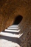 Arcade των στηλών πετρών στο πάρκο Guell, Gaudi Στοκ Εικόνα