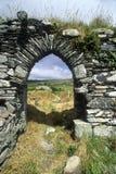 Arcade en pierre dans l'église de Kilcatherine dans le liège, Irlande Photo stock