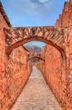 Arcade entre Amer et fort de Jaigarh à Jaipur - au Ràjasthàn, Inde Photographie stock