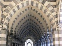 Arcade historique au centre de Gênes Image libre de droits